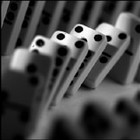 Falling_dominoes_7